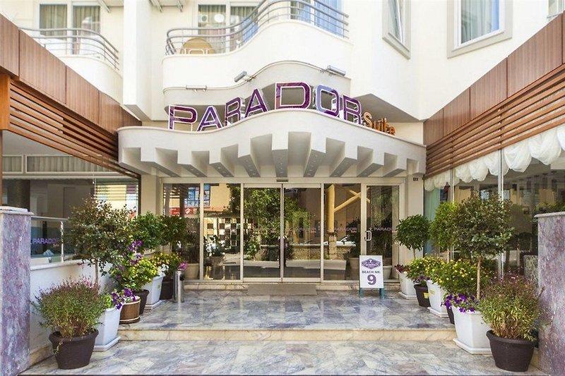 Parador Suit Apart Hotel