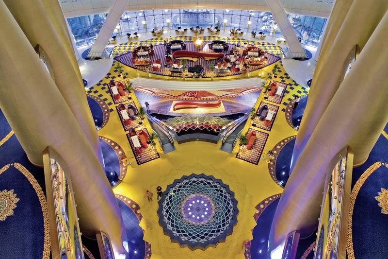 Dubai ab 3417 € 2