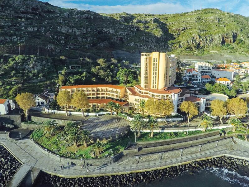 Dom Pedro Madeira - Ocean Beach Hotel in Machico (Insel Madeira) ab 336 €