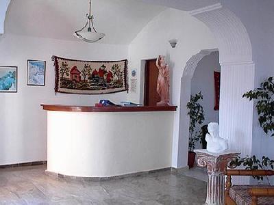 Alia Hotel in Kamari, Santorin L