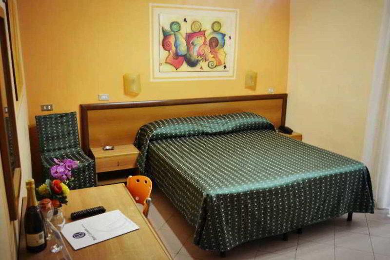 Hotel Colombo in Neapel, Golf von Neapel W