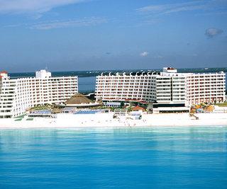 Hotel Crown Paradise Club Außenaufnahme