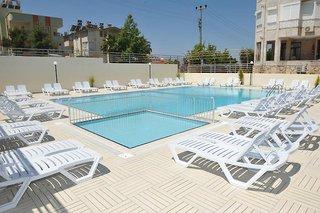 Hotel Harmony Side Pool