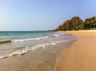 Hotel Celes Beachfront Resort Strand