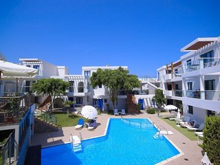 Hotel Minos Village Außenaufnahme