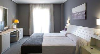 Hotel Ilunion Alcora Sevilla Hotel Wohnbeispiel