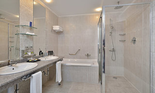 Hotel Melia Grand Hermitage Badezimmer