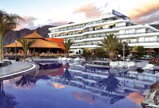 Hotel Barcelo Santiago Außenaufnahme