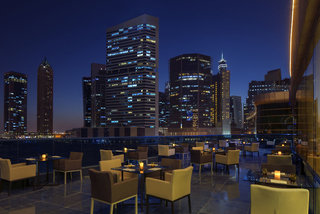Hotel Radisson Blu Hotel Dubai Waterfront Terasse