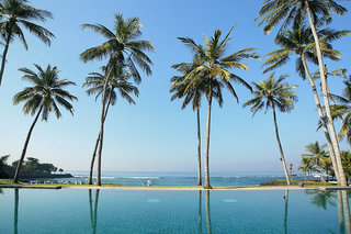 Hotel Candi Beach Resort & Spa Pool