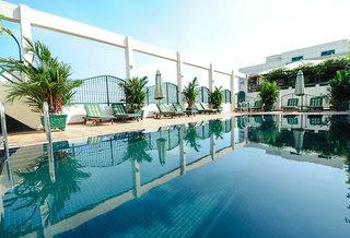 Hotel Windsor Plaza Saigon Pool