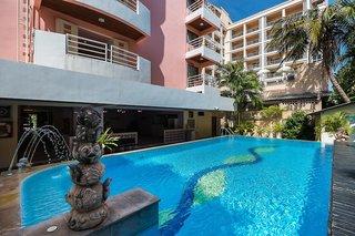 Hotel Bella Villa Metro Pool