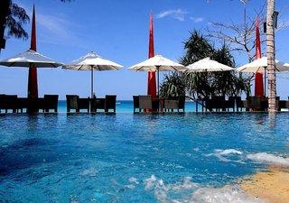 Hotel Beyond Resort Kata Pool