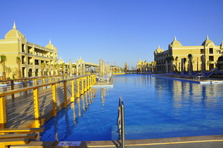 Hotel Titanic Royal Pool