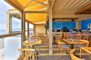 Hotel Serenity Blue Bar