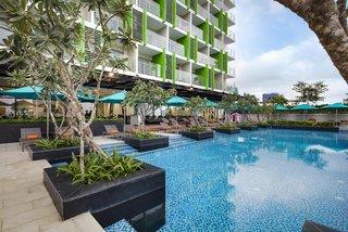 Hotel Ariyana Smart Condotel Pool
