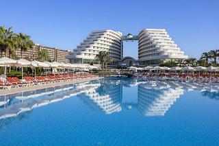 Hotel Miracle Resort Außenaufnahme