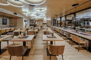 Hotel KOSIS Sports & Lifestyle Hotel Restaurant