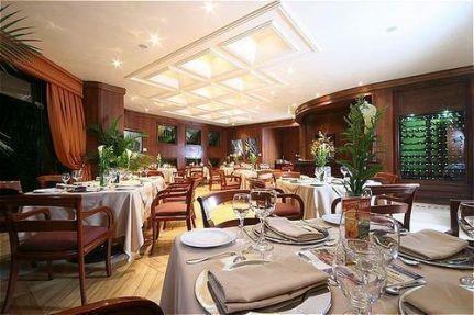 Dann Carlton Belfort Restaurant