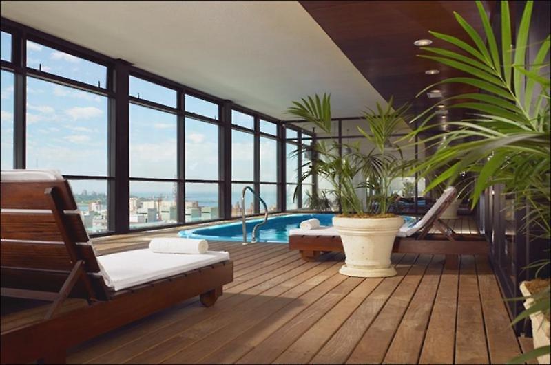 Four Points by Sheraton Montevideo Pool