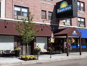 Versey Days Inn by Wyndham Chicago Außenaufnahme