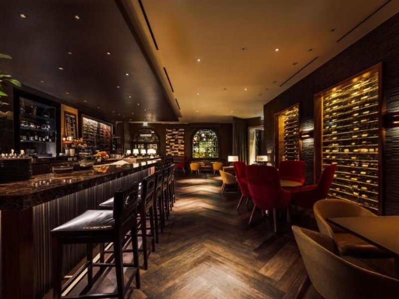 Four Seasons Los Angeles at Beverly Hills Bar
