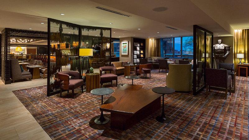 Hyatt Centric Chicago Magnificent Mile Bar