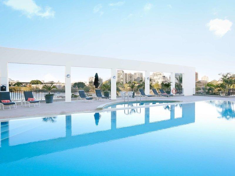 Stamford Plaza Brisbane Pool