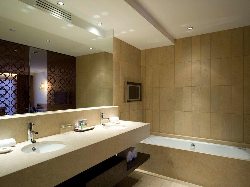 Royce Hotel Badezimmer