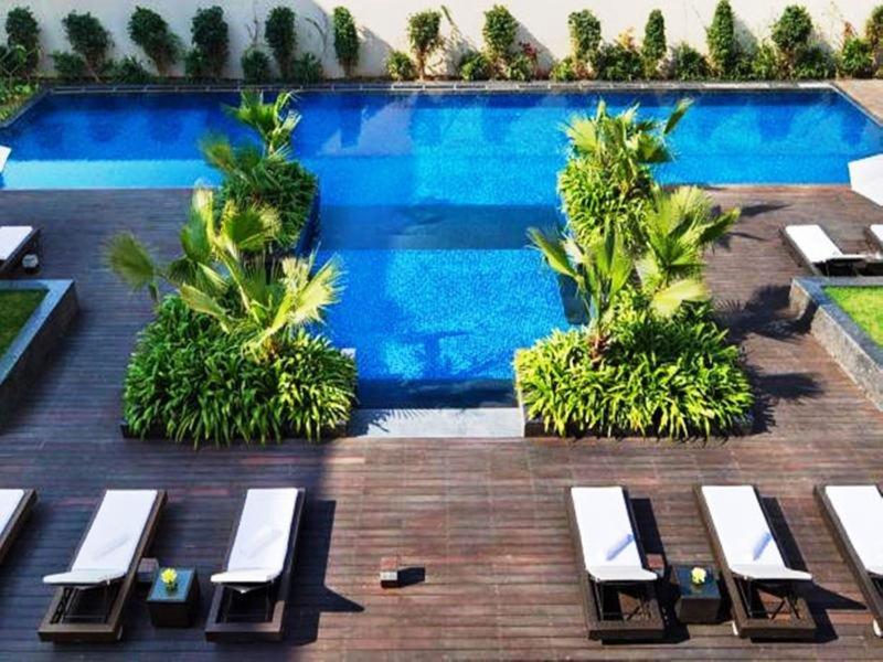 JW Marriott Hotel New Delhi Aerocity Pool