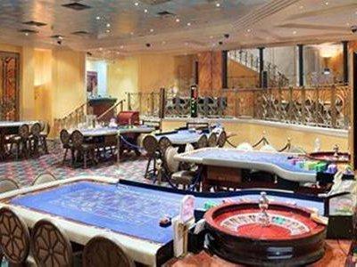 Ramses Hilton Hallenbad