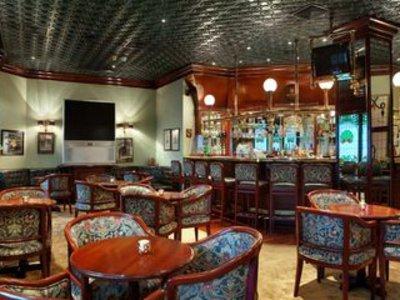 Ramses Hilton Bar
