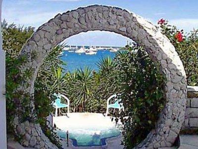 Grotto Bay Beach Garten