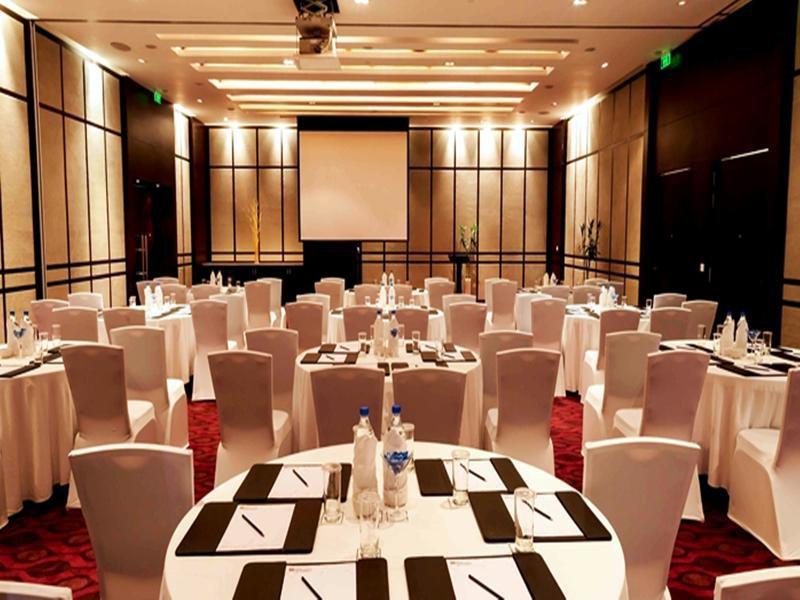 Hilton Garden Inn Gurgaon Baani Square Konferenzraum