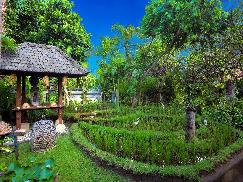 Kuta Seaview Boutique Resort & Spa Garten