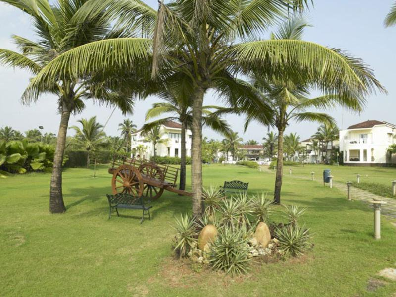 Royal Orchid Beach Resort & Spa Garten