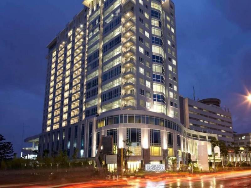 eL Royale Hotel Bandung  Außenaufnahme