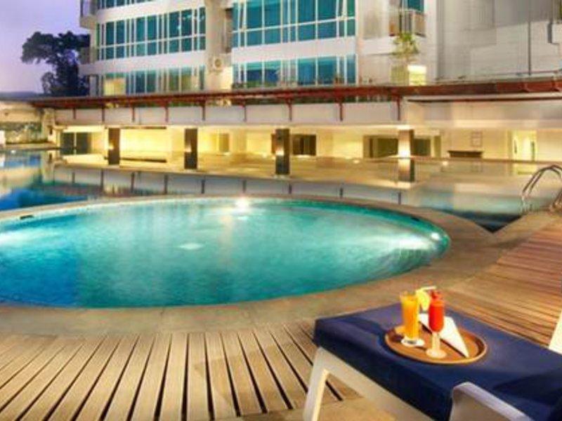 eL Royale Hotel Bandung  Pool