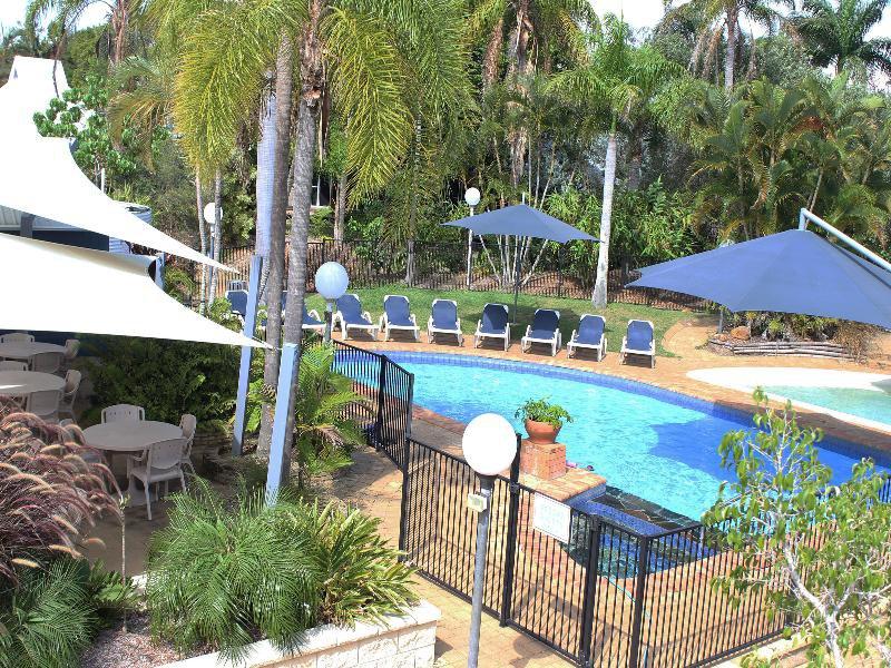 Kellys Beach Resort Pool