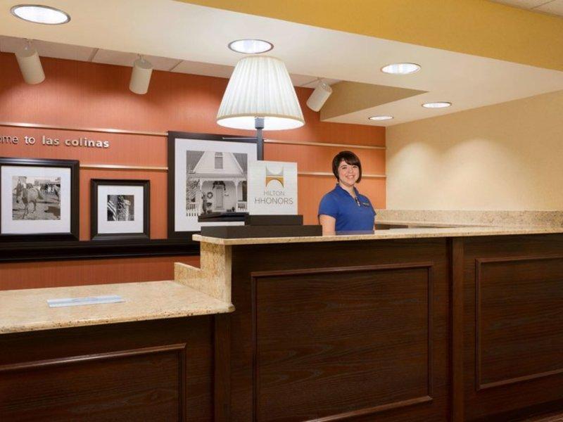 Hampton Inn Dallas-Irving-Las Colinas Lounge/Empfang