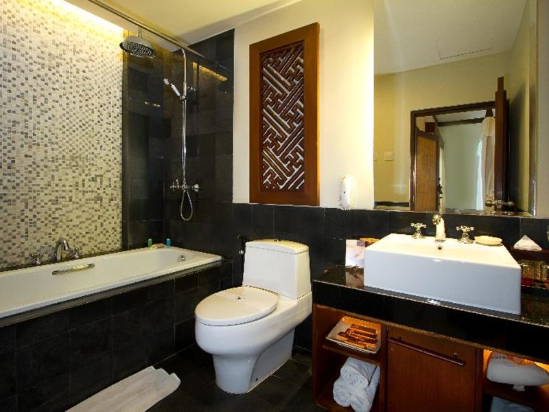 Kuta Seaview Boutique Resort & Spa Badezimmer