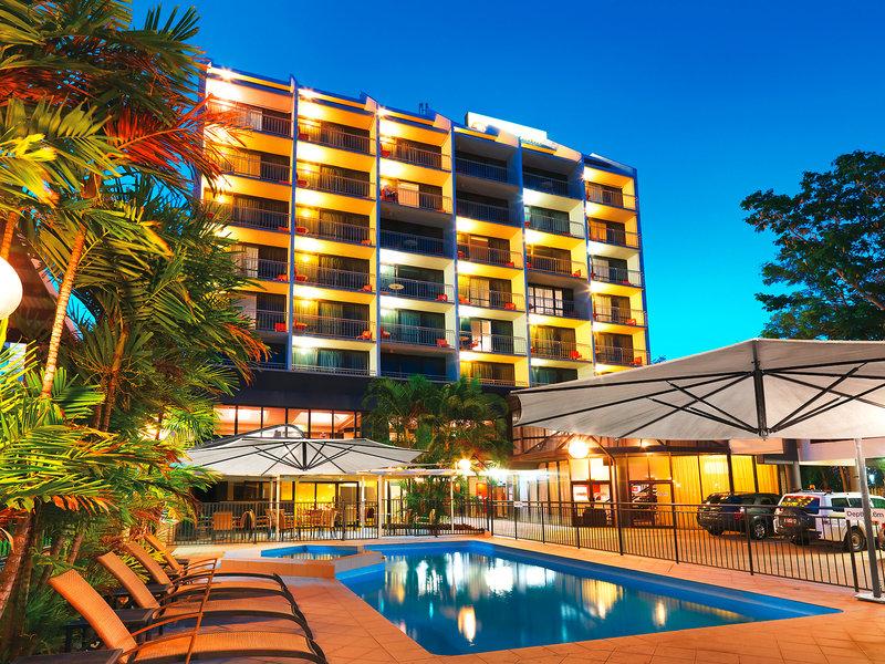 Travelodge Rockhampton Pool