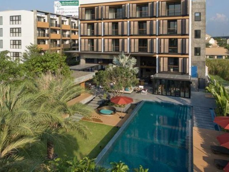 The Silver Palm Rama 9 - Bangkok Pool