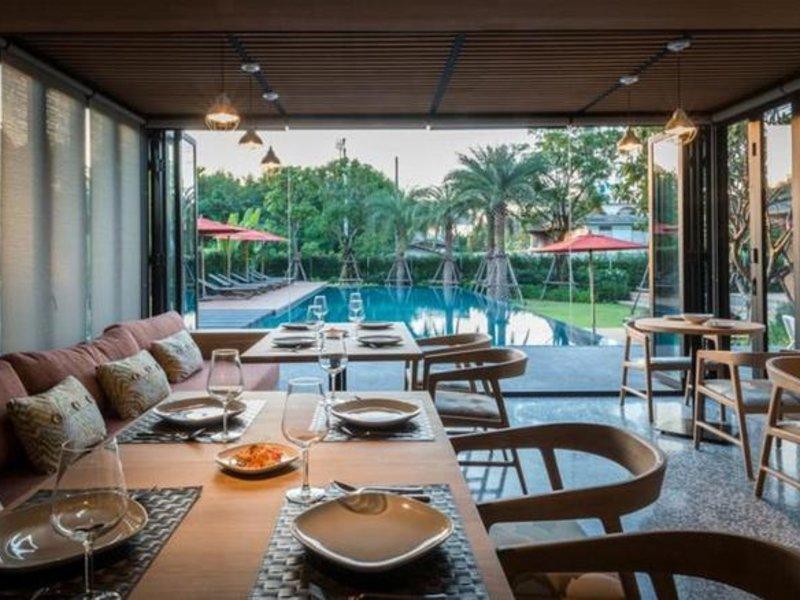 The Silver Palm Rama 9 - Bangkok Restaurant