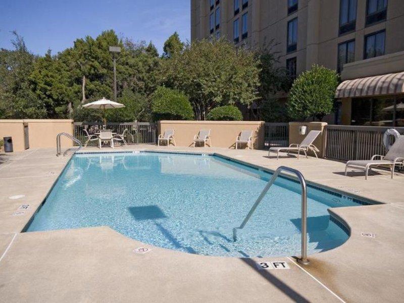 Hampton Inn Austin - Northwest Arboretum Pool