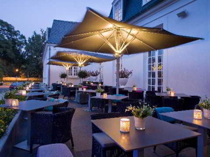 Van der Valk Hotel Brugge - Oostkamp Terrasse