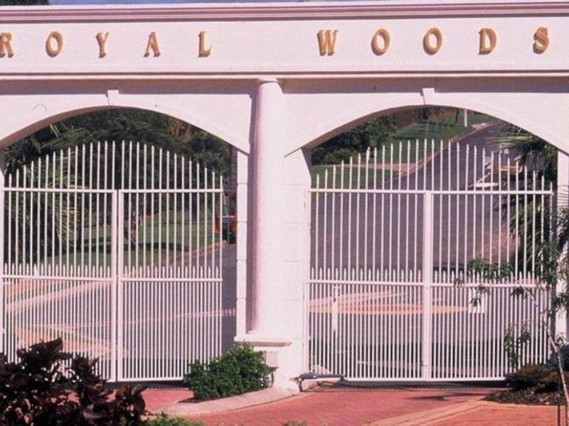 Royal Woods Resort Außenaufnahme