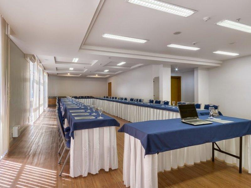 Tulip Inn Sao Jose dos Pinhais Konferenzraum
