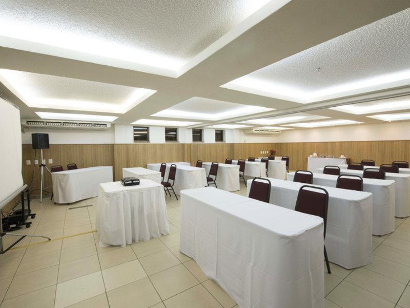 Carmel Magna Praia Hotel Konferenzraum