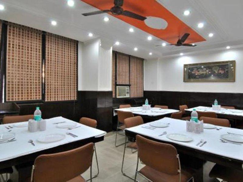 OYO 510 Hotel Chand Palace Restaurant